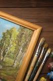 Spazzola e pittura sul legno immagini stock libere da diritti