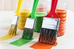 Spazzola e vernice Fotografia Stock