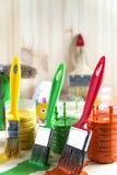 Spazzola e vernice Fotografie Stock Libere da Diritti