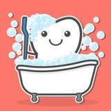 Spazzolatura di dente nel bagno Fotografie Stock