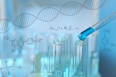 Spełnianie laborancka analiza, zbliżenie zdjęcie royalty free