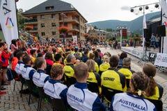 Speaches na cerimônia de inauguração de corrida dos campeonatos da montanha do mundo fotografia de stock royalty free