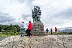 Spean-Brücke, Schottland - 31. Mai 2017: Ein Denkmal, das den Männern der britischen Kommando-Kräfte eingeweiht wurde, hob währen lizenzfreie stockfotografie