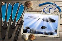 Spearfishing与海深渊的照片框架 库存照片