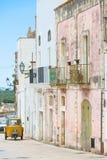 Specchia, Apulien - das Leben scheint, in der alten Stadt von Specchi zu stoppen stockfotos