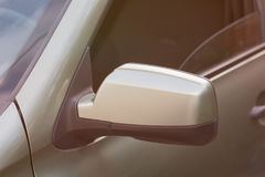 Specchietto retrovisore laterale di un'automobile Fotografia Stock