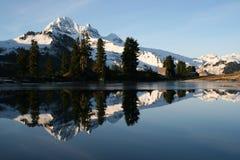 Specchio della montagna Immagine Stock