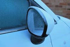 Specchio di automobile ghiacciato Immagine Stock