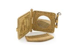 Specchio e pettine. immagine stock libera da diritti