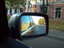 Specchio laterale di un'automobile Immagini Stock