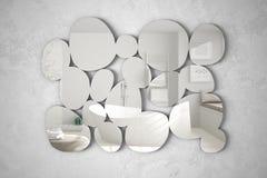 Specchio moderno sotto forma dei ciottoli che appendono sulla scena di riflessione di interior design della parete, bagno luminos fotografia stock