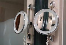 Specchio, specchio sulla parete fotografie stock