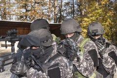Special anti--terrorist trupp Arkivbilder