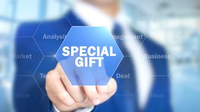 Special gåva, man som arbetar på den Holographic manöverenheten, visuell skärm Royaltyfri Fotografi