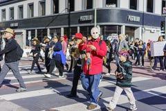 Special kvinnamarshändelse och personer som protesterar runt om Los Angeles Royaltyfri Fotografi