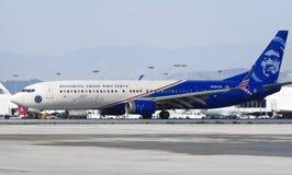 Special livré Alaska Airlines sprutar ut royaltyfri foto