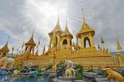 Special un de crématorium royal d'or dans le monde Image libre de droits