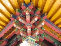 Speciale architecturale structuur van de bovenkant van Tibetaans Boeddhisme royalty-vrije stock fotografie