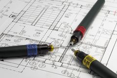 Speciale pennen voor architect op een architectenplan Royalty-vrije Stock Foto