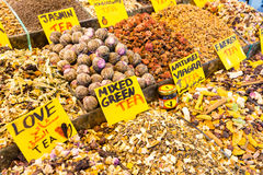 Speciale thee voor liefde en geslacht bij de Grote Bazaar in Istanboel, Turkije Royalty-vrije Stock Fotografie