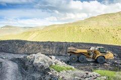 Specialiserad van vid kolutgrävning för maskiner Arkivbilder