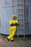 Specialist i skyddande uniform stående Royaltyfri Foto