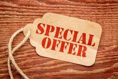 Specialt erbjudande på en prislapp Arkivbilder