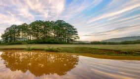 Specialt landskap av moln och himmel i gryningen, pic för panorama 3 royaltyfri foto
