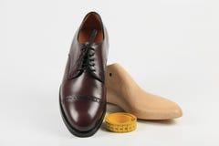 specialtillverkade skor arkivbilder