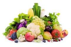 Specie differenti delle verdure, della frutta, delle erbe piccanti e della bacca Fotografia Stock Libera da Diritti