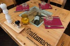Speciellt en restaurang i castegnetoen Carducci i Bolgheri område arkivfoton