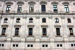 Specificera av en gammal byggnad royaltyfria bilder