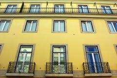 Specificera av en gammal byggnad, Lisbon, Portugal royaltyfri foto