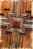 Specificera grungeträdörren, bakgrund Royaltyfria Bilder