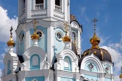 Specificera sikten av den ortodoxa templet av helgonet Alexander i Kharkiv Ukraina Royaltyfri Foto