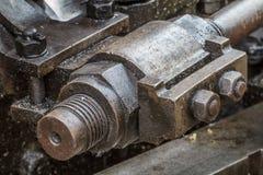Specificerar av den greasy maskineri-/ångamotorn royaltyfria foton