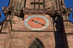 Gotisk domkyrka av Freiburg, sydlig Tyskland Royaltyfri Fotografi