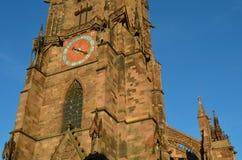 Gotisk domkyrka av Freiburg, sydlig Tyskland Arkivbild