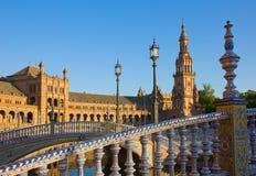 Specificerar av Plaza de Espa? a Seville, Spanien royaltyfri bild