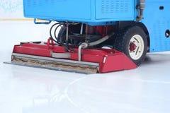 Specjalny maszyna lodu żniwiarz czyści lodowego lodowisko zdjęcie royalty free