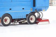 Specjalny maszyna lodu żniwiarz czyści lodowego lodowisko obraz royalty free