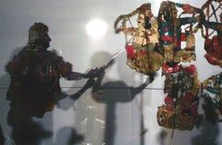 Spectacle de marionnettes indien d'ombre images stock