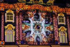 Spectacle de projection du 3D-mapping de l'équipe de Visuaalsupport au festival 2017 léger à St Petersburg photos stock