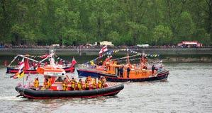 Spectacle pompeux de jubilé de diamant de bateaux de RNLI Photos stock