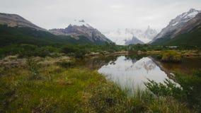 Spectaculaire mening over Fitz Roy Mount van het Zuidelijke Patagonian Ijsgebied in Argentinië stock footage