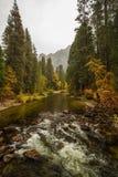 Spectaculaire meningen aan de Yosemite-waterval in Nationale Yosemite Royalty-vrije Stock Fotografie