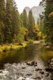 Spectaculaire meningen aan de Yosemite-waterval in Nationale Yosemite Royalty-vrije Stock Foto's