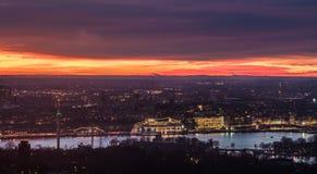 Spectaculaire zonsondergang over stad van Stockholm, Zweden Royalty-vrije Stock Afbeelding
