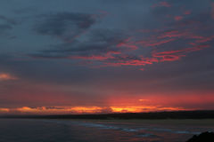 Spectaculaire zonsondergang van de kust in Norther NSW Australië Stock Afbeelding