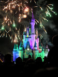 Известные фейерверки spectacular nighttime желаний Стоковые Фото